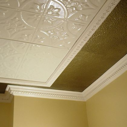 Compound cornice with hammered tin filler